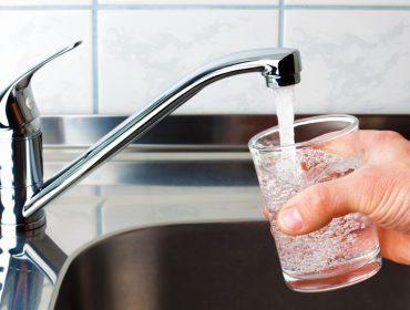 Estudo para ajudar a combater o odor e sabor desagradável da água da torneira